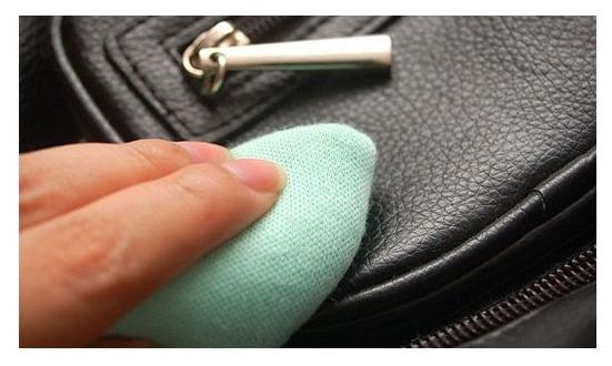 Чистка сумок домашних условиях